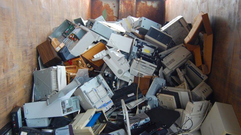 Scheiden van elektrische apparaten