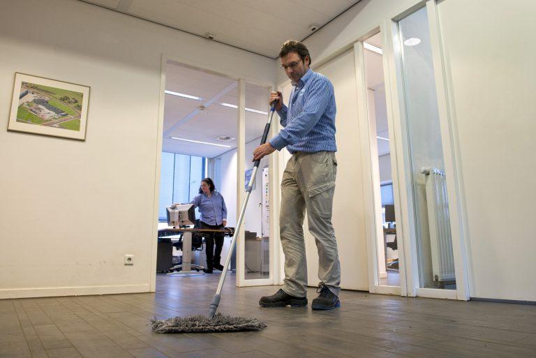 Samenwerking gemeente en Speciaal Facilitair voor schoonmaak gemeentehuis