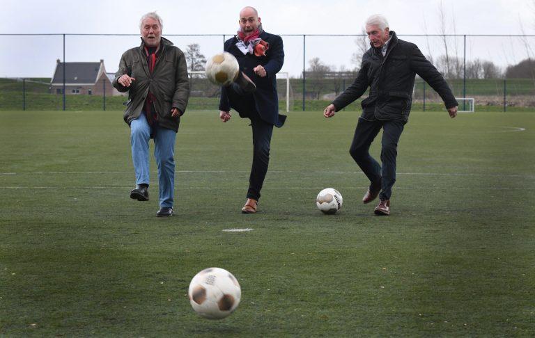 Burense voetbalverenigingen samen aan de bal