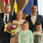 Burgemeester verwelkomt nieuwe Nederlander