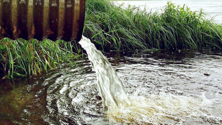 Omgevingsdiensten en Waterschap Rivierenland slaan de handen ineen voor schoon water